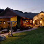 bridger-canyon-rustic-southwestern-home-01